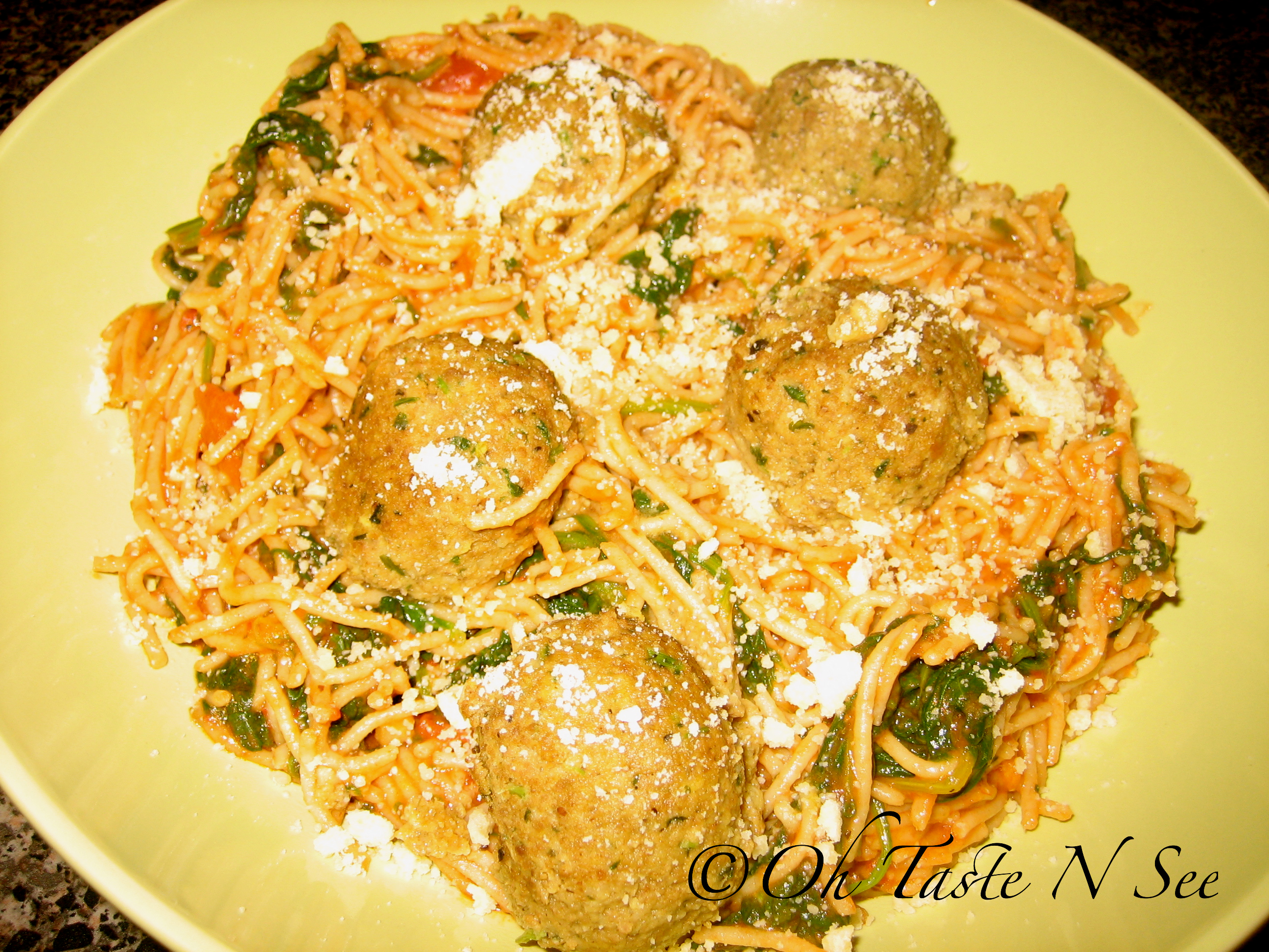 Spaghetti meatballs in roasted tomato sauce
