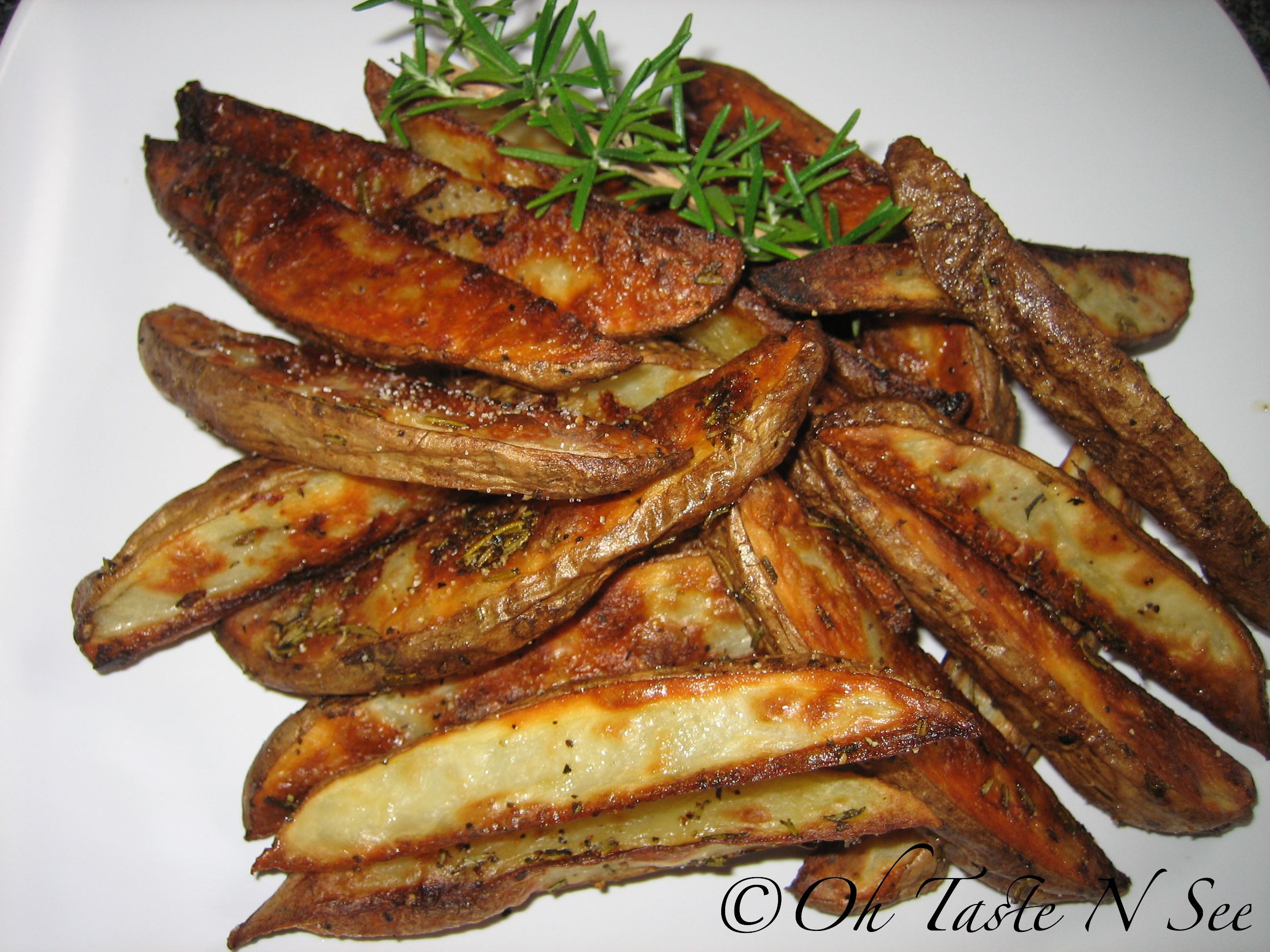 Garlic Rosemary Baked Fries