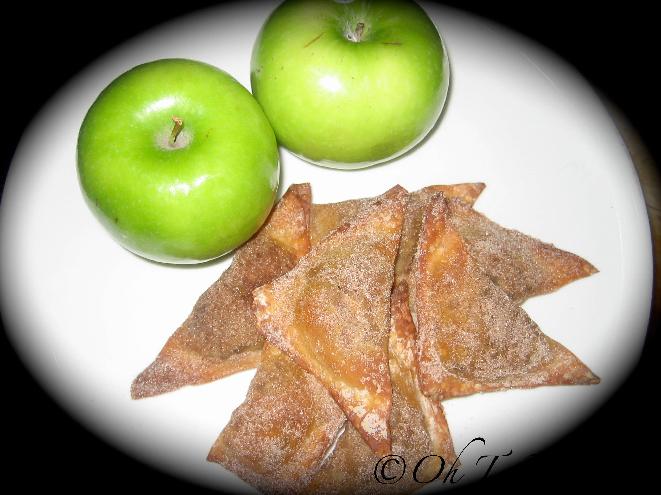 Apple pie wontons 1